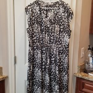 Old Navy Black and White Dress Sz XXL